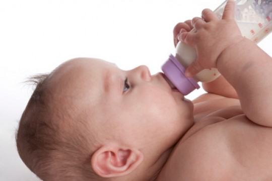 Bottles in Bed = Bad News for Babies? MYTHS and FACTS