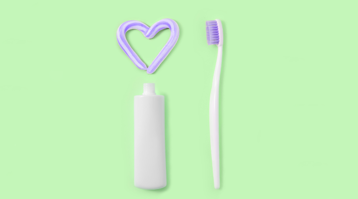 We know that toothpaste helps our teeth shine, but what else can it clean? Here are 5 of our favorite cleaning hacks.