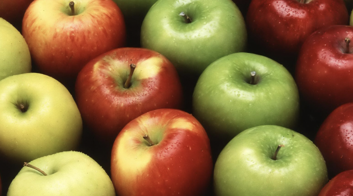 It's the season for healthy, hearty Virginia apple recipes! Make sure those sweet treats are also a little tooth friendly with our no-sugar added Virginia apple cider recipe.
