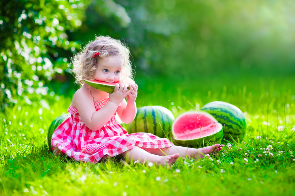 Watermelon is not only a tasty treat – it's also good for you. This healthy fruit is packed with nutrients and vitamins that benefit the teeth.