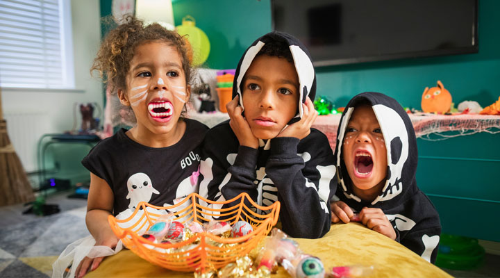 Sugary treats may be difficult to avoid this time of year, but there are certainly some choices that are better than others. Here's a list of the top three WORST Halloween candies for your teeth.